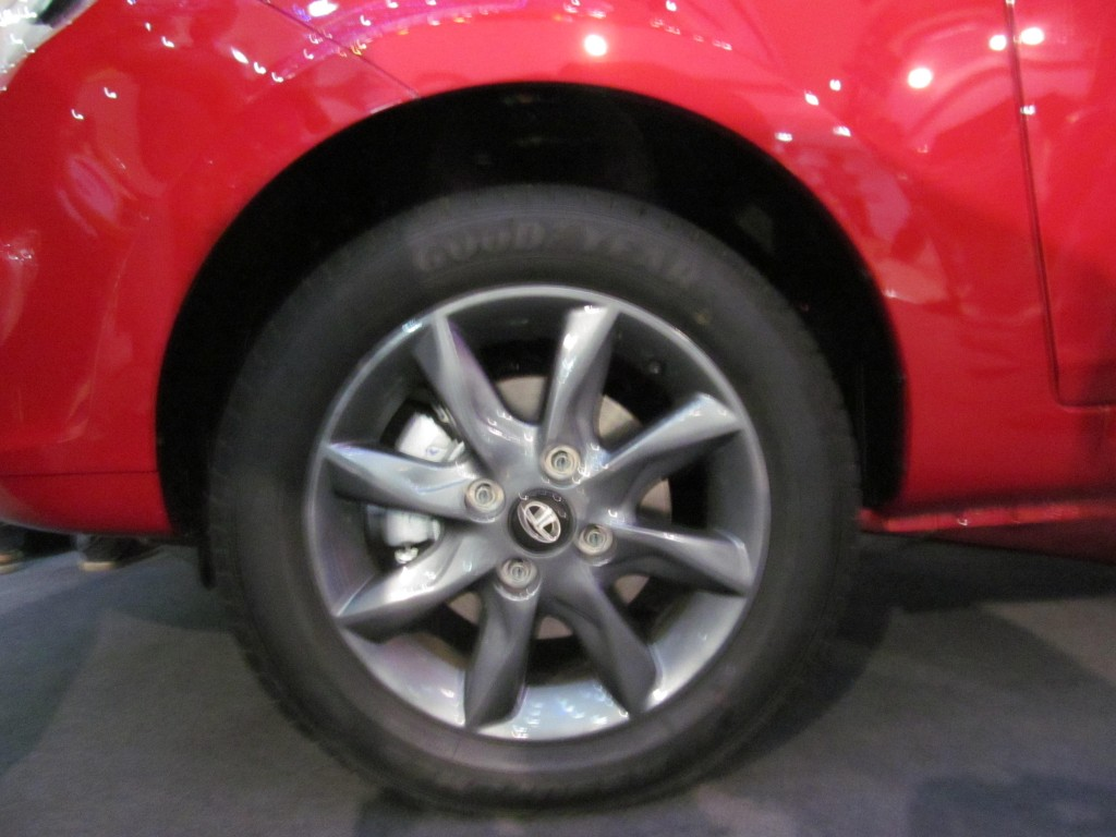 Alloy wheels add to the sturdy Looks!